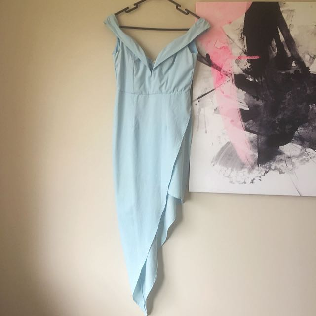 Woman's Size 8 Showpo Off Shoulder Dress