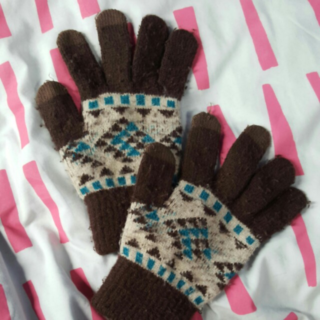 Woman's winter gloves