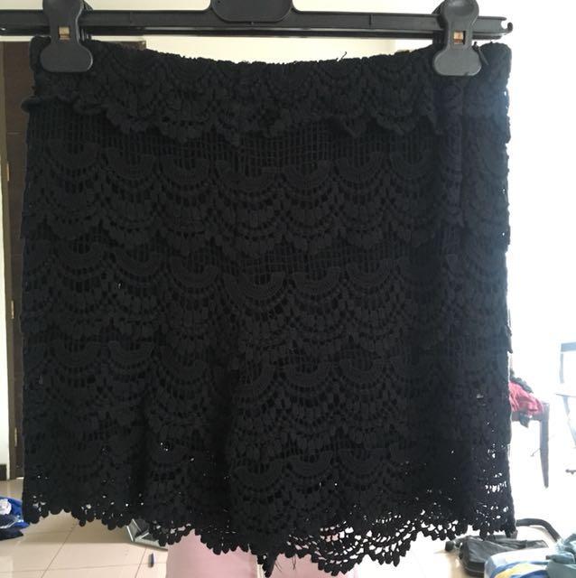 Zara Scallopped Pattern Lace Shorts