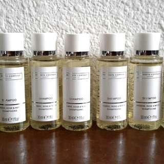 Shampoo , condition, show gel