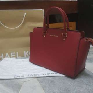 Authentic Michael Kors Large Selma Red