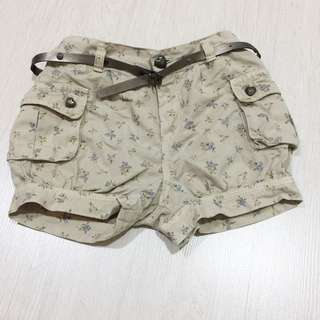 Children girl Zara shorts with belt