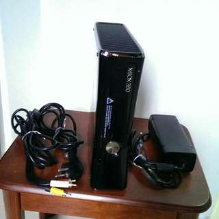 Selling XBOX 360-S Console in excellent condition.