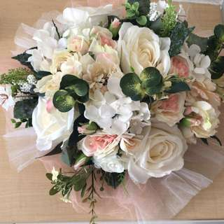 Flower deco for wedding reception + free mesh table runners