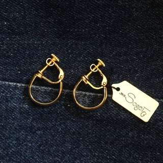 80s classic gold tone circle clip-on earrings