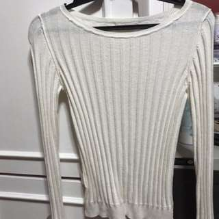 Uniqlo knitted long sleeves white