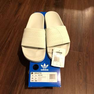 Adidas Adilette Slides Size 9 (fit 9-10)