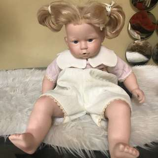 Porcelain Doll from US, collectors item