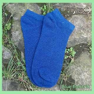 Kaos kaki mata kaki warna