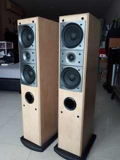 Pioneer Floor standing speakers