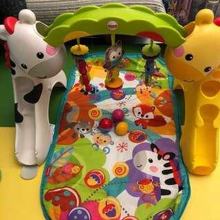 Fisher Price嬰兒玩具 歡樂動物音樂健身器