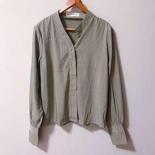 一粒釦雪紡襯衫-淺灰綠色