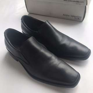 ANDRE VALENTINO Shoes - Black