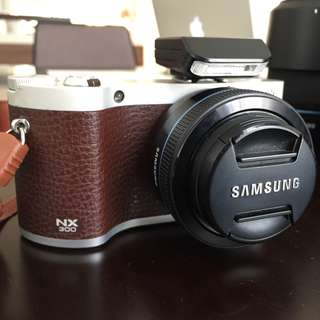 Awesome Samsung NX 300 Mirrorless Camera