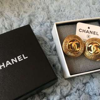 Chanel gold plated ear clip