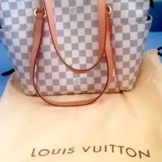 Authentic Louis Vuitton Damier