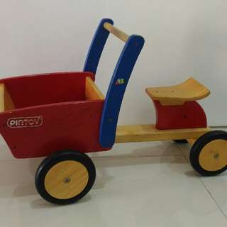 Pintoy wooden cart