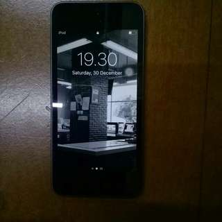 iPod Touch 6th Generation 16 gb