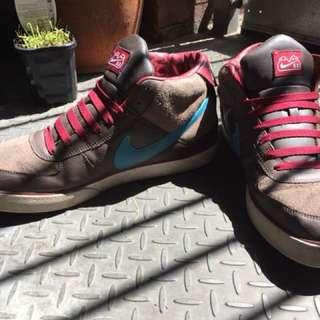 Nike Mens High Top Sneakers - Sz US 12