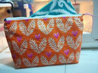 Pouch: for Makeup / Essential Oils