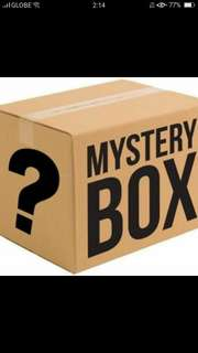 MYSTERY BOX M