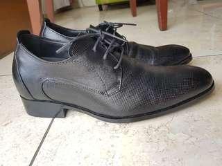 Sepatu Pantofel Keeve size 40 / Sepatu Formal Kulit Hitam Hak 7cm Genuine Leather