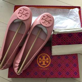 f35a76986299 Tory Burch Flat Minnie travel ballet with logo in retro pink