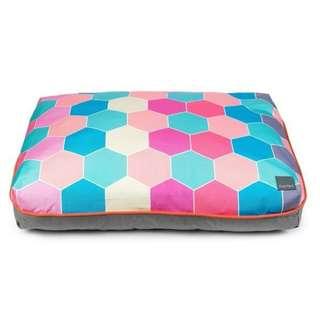 Big Dreamer Pillow Bed - Hive