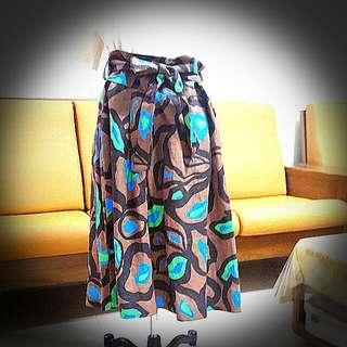 名牌叢林風 裙子,L號 , 490含運。