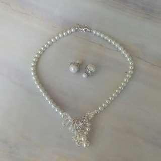 珍珠項鍊耳環