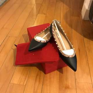 全新正貨Valentino 平底鞋 Garavani Leather Rockstud Flats