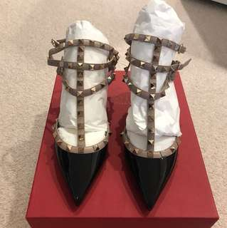 Valentino Rockstud ankle strap 65mm in black