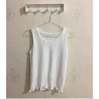 Pleated tank (white)