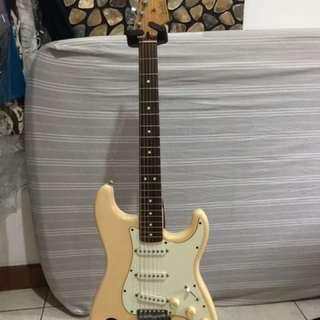 Fender Stratocaster Mexico Arctic White