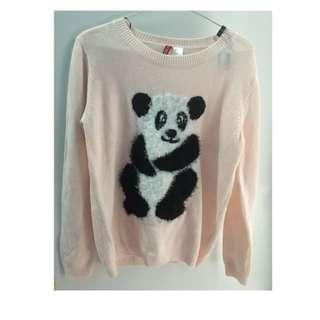 HnM sweater panda