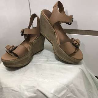 Wedges size 35