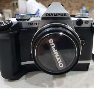 Olympus EM5 Mk II + M.Zuiko 12-40mm F2.8 Pro Lens + HLD-8 External Grip & Battery