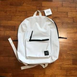 2X BNWT Herschel Settlement Bag pack