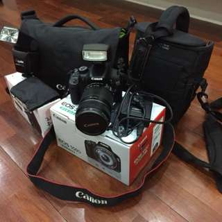 Canon EOS 550D with 18-135mm kit lens