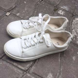 H&M white shoes / sneakers