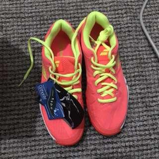 Badminton Shoes ( Babolat) size 6.5 US