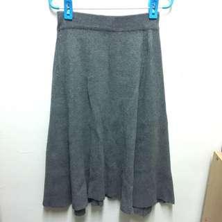 (二手)灰色厚針織及膝裙