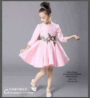 Kids dress size : L XL 5-10 yrs old