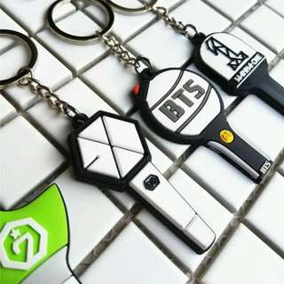 exo / wanna one / got7 / bts lightsticks keychain