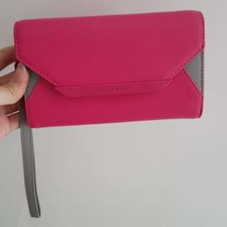 Charles and keith dompet