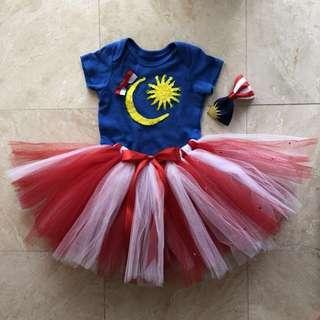 Merdeka full costume for girls.