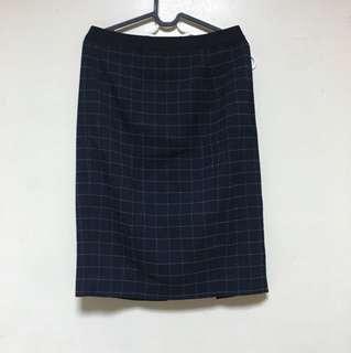 🚚 Uniqlo 格紋 深藍 後開衩窄裙