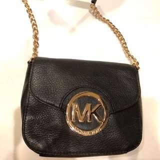 Michael Kor black leather cross bag