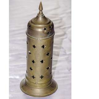 VINTAGE ANTIQUE 215MM BRASS CANDLE HOLDER FROM THE MIDDLE EAST