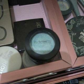 Eye shadow mac